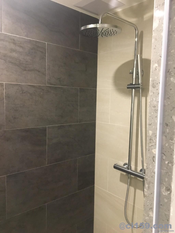 HOTEL AMBER  PATTAYAのシャワールーム