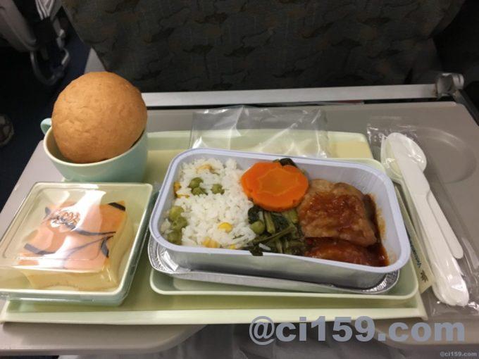 ベトナム航空VN0618の機内食