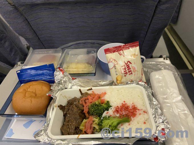 チャイナエアラインci158の機内食