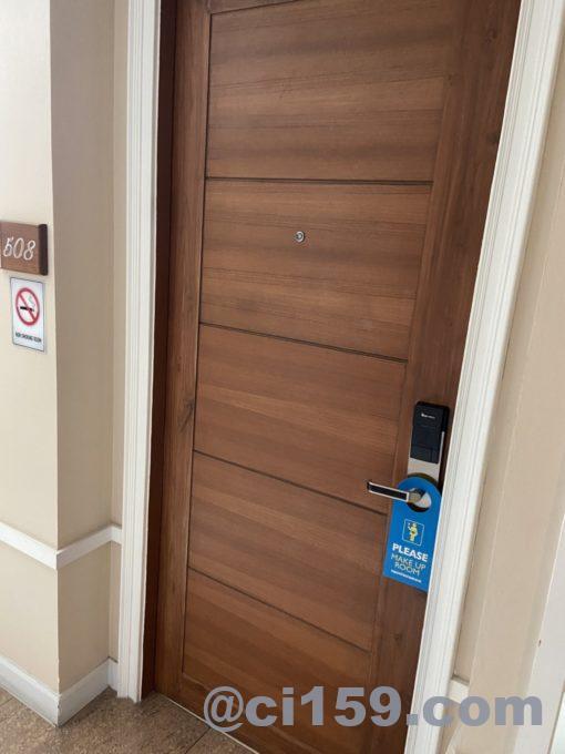 247 Boutique Hotelの客室ドア