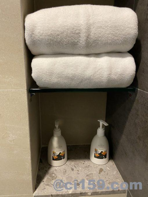 HOTEL AMBER  PATTAYAのバスタオル
