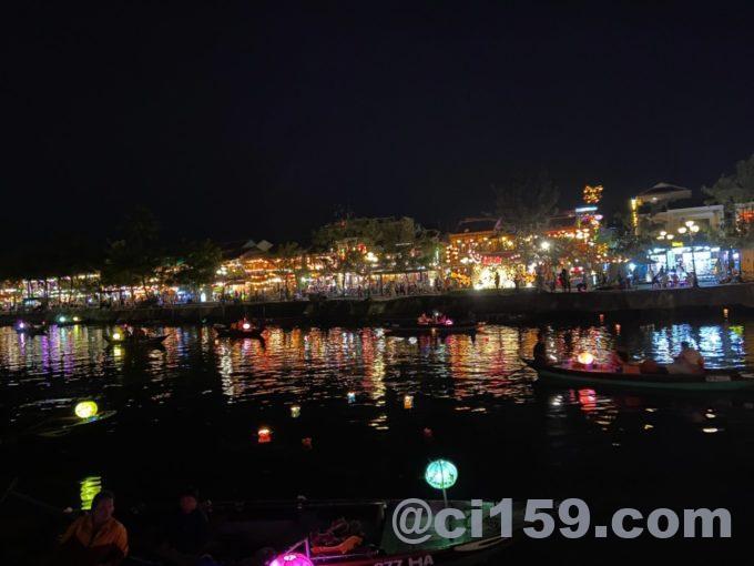 夜のトゥボン川