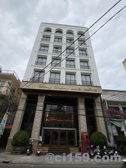ドン ドゥオン ホテル アンド スイーツの外観