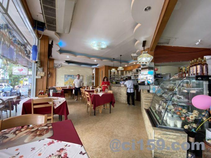 The Continental Bakeryの店内