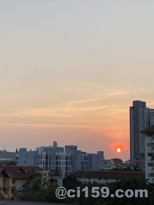 パタヤの夕日