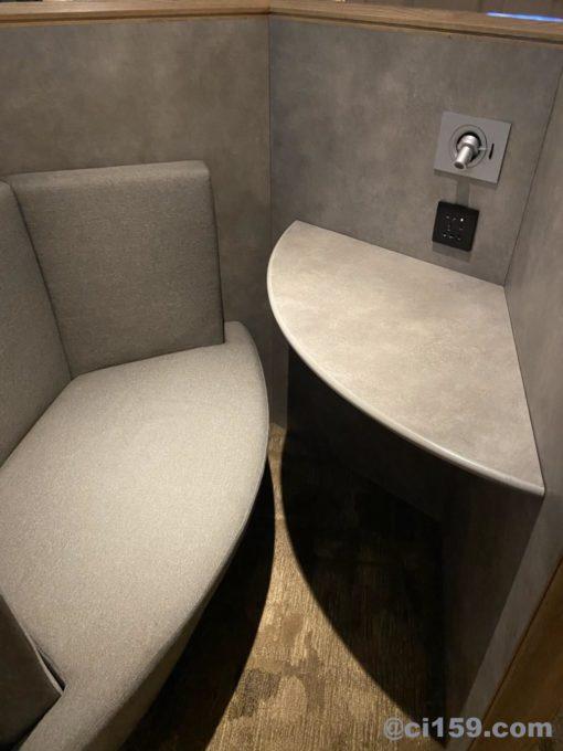 桃園国際空港のプラザプレミアムラウンジ内の個室スペース