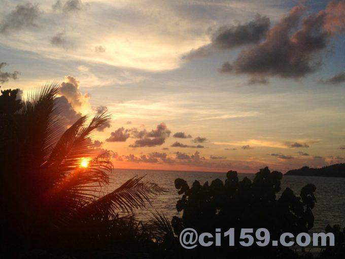 パトンビーチからの夕日