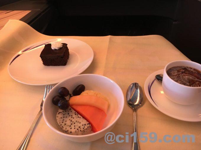 チャイナエアラインビジネスクラスの機内食デザート