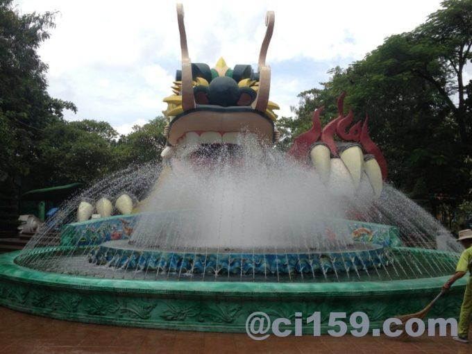 スイティエン公園の噴水