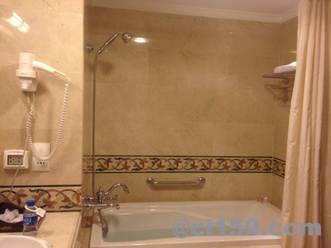 グランドホテルサイゴンのバスルーム