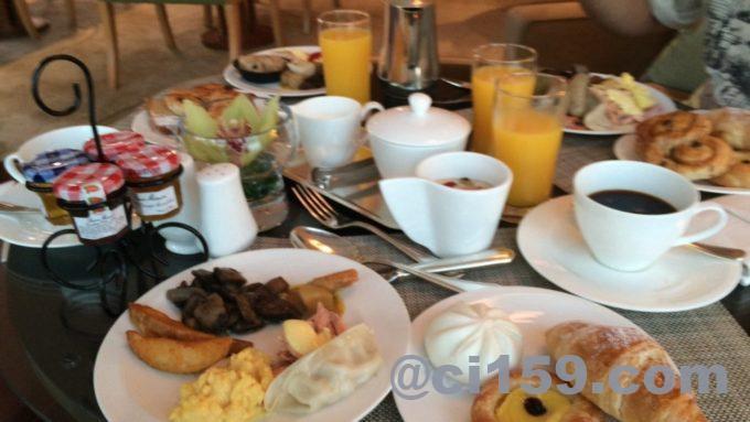 コンラッドの朝食