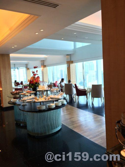 シャングリラホテルの朝食会場