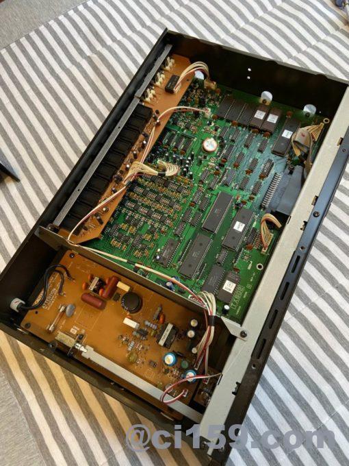 音源モジュールTX802の内部