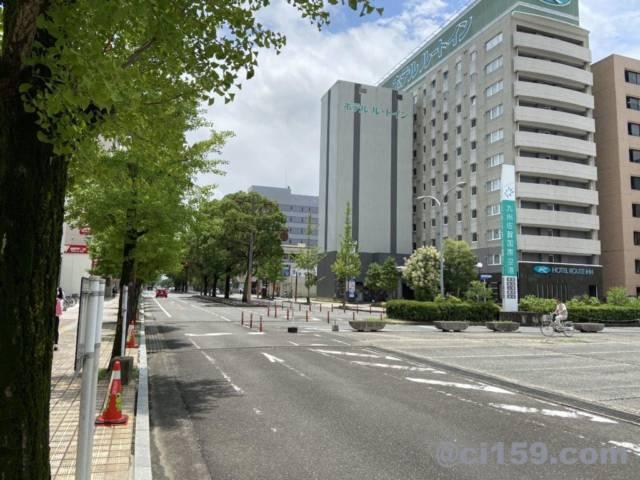 佐賀駅前の通り