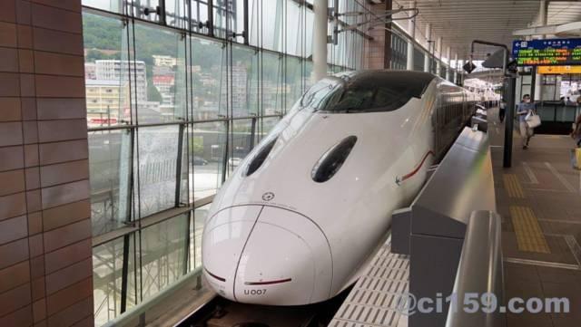 九州新幹線800系の顔