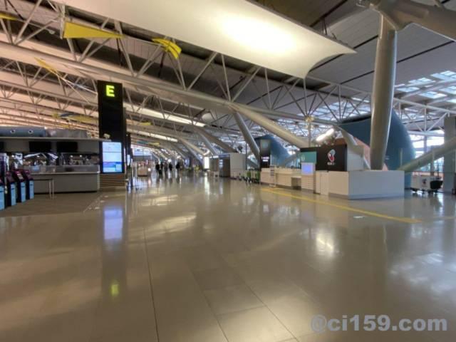 関西国際空港の国際線出発フロアー