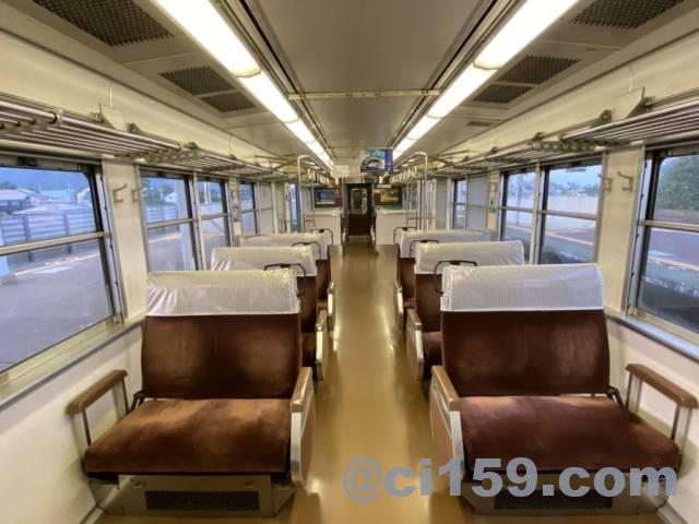 湖西線117系の車内