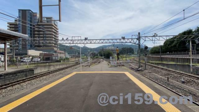 塩尻駅で分岐する路線