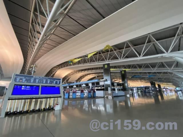 関西空港国際線出発フロア