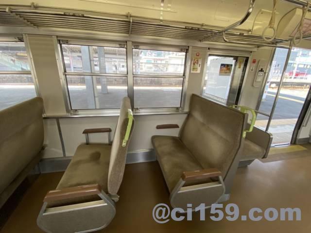 山陽本線115系の車内