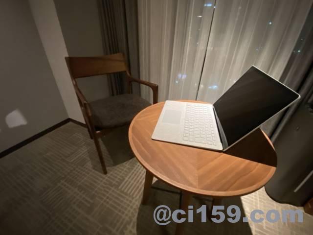ホテルトラッド博多のPC作業スペース