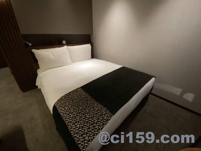 ホテルトラッド博多のベッド