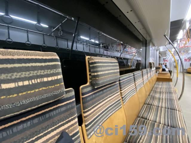 JR九州817系の座席