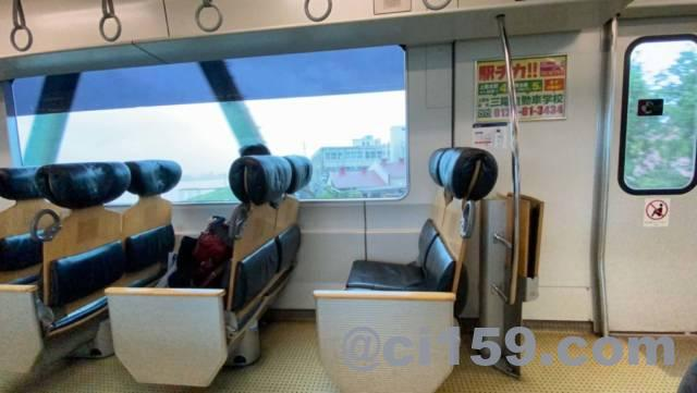 鹿児島本線817系の座席