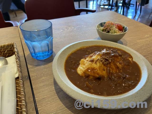OBU CAFEのオムハヤシライス