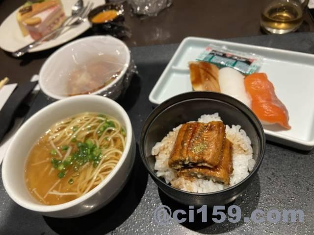 フカヒレラーメン、うな丼、お寿司