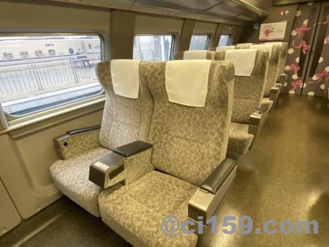 HelloKitty Shinkansenの6号車指定席