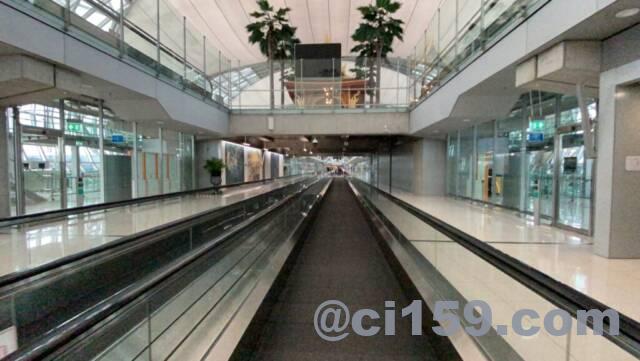 スワンナプーム空港の動く歩道