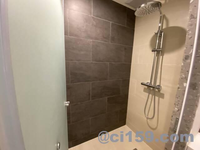 アンバーホテルパタヤのシャワールーム